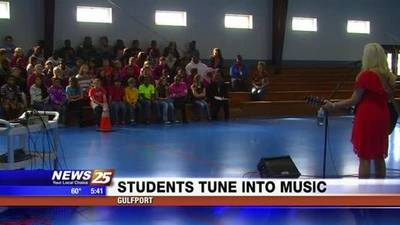 News video: Orange Grove Students Get a Lesson in Music